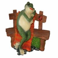 Лягушка на скамейке