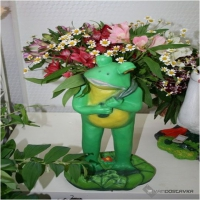 Кашпо стоячая лягушка